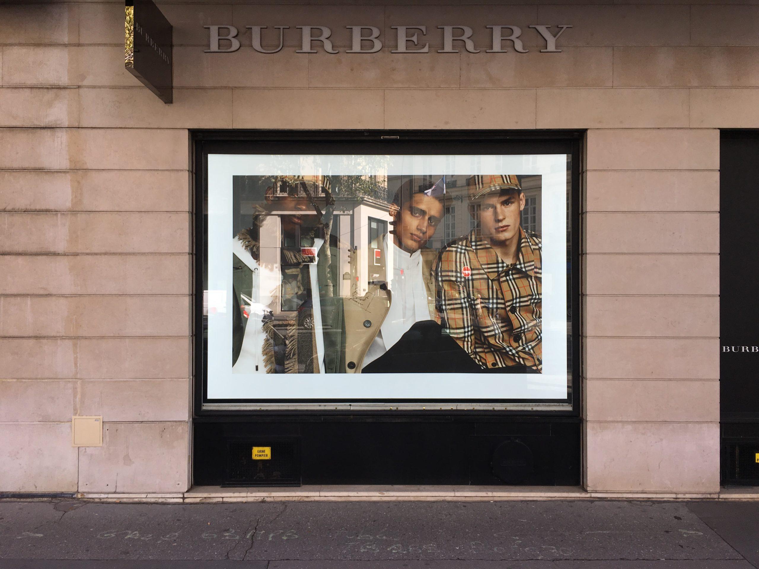 installation-et-pose-plv-paris-picardie-shopfitter